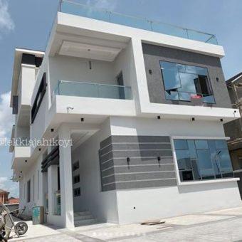 Luxurious 5 bedrooms contemporary detached house, Pinnock Beach Estate Osapa London Lekki .